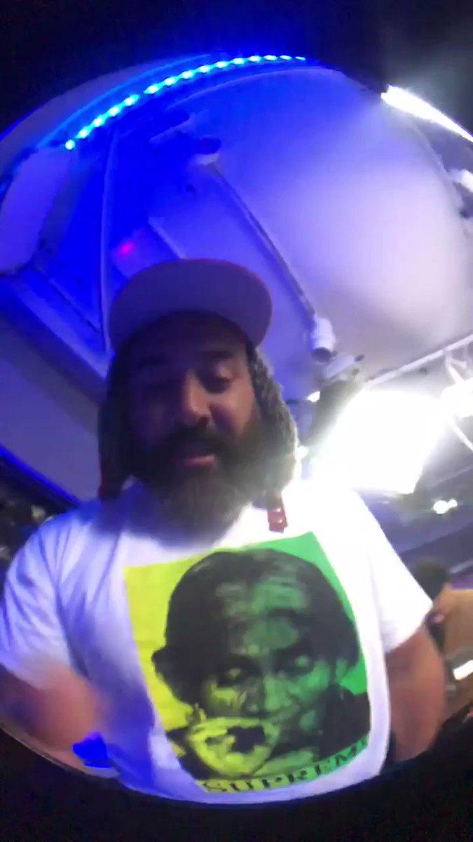 #LambOverRice @ActionBronson on @Beats1 @AppleMusic at 4pm EST #beats1ebro