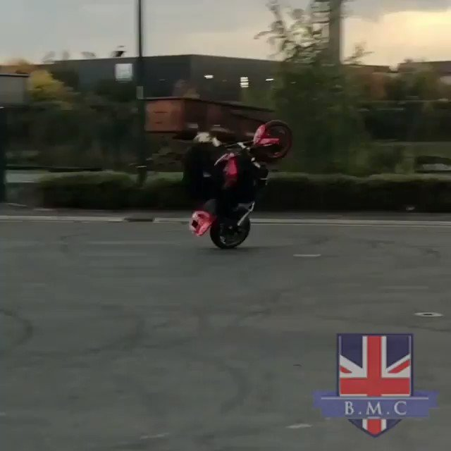 Exceptional Maneuverability 💯  🚥🚥🚥🚥 #superbike #SuperExclusive #bikerlifestyle #BMW #MotoGP #motorbike #noisemaker #safety #stunts #MotoCustom #CustomBikers #SUZUKI #Honda #yamaha #ShowBizz #UK #lifestyleblogger #billionaire   #BMCi #BMCIndustriesUK @bmcindustriesuk 👇👇 https://t.co/l5Z0insHcs