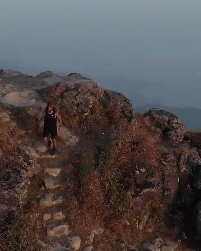 "Hiking in the ""West Dogs Teeth Ridge"" in #HongKong 👀🏔 (IG-jackson.groves)"