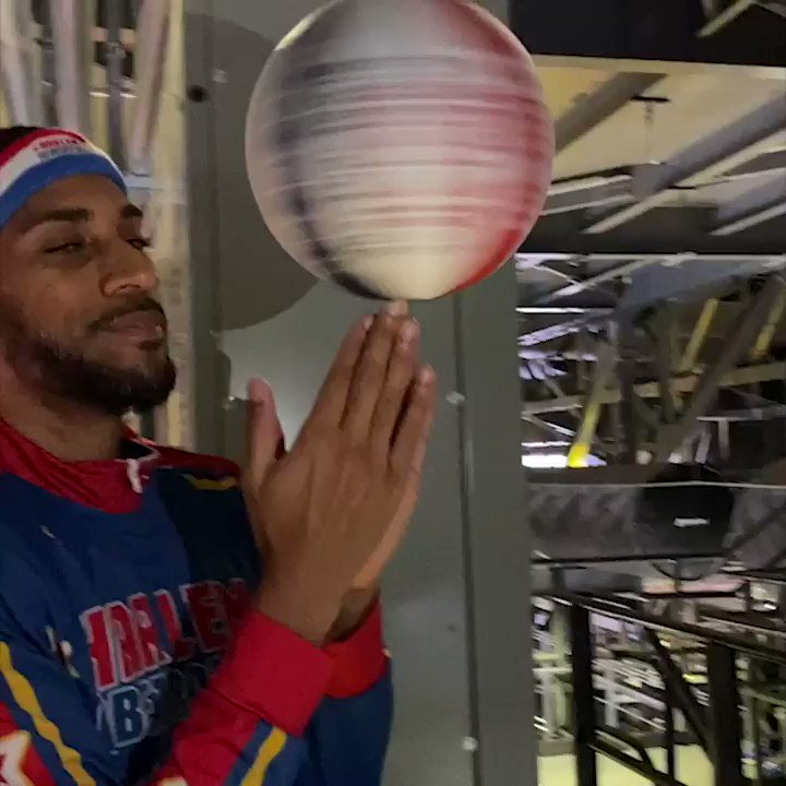 The @Globies practicing for their big game on Saturday with a bucket from the catwalk 👀