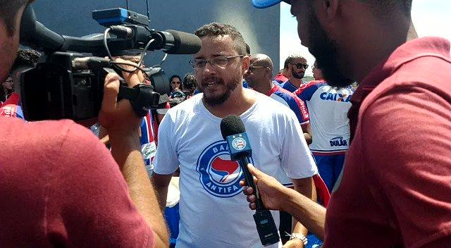 Nosso camarada @Tito95804817 representando na entrevista para TV Bahêa. Já há quem o chame do nosso Binha de Cajazeiras! #NovoCT #esquadrão2020 #BBMP #Antifascismopic.twitter.com/yQzeCan6BR