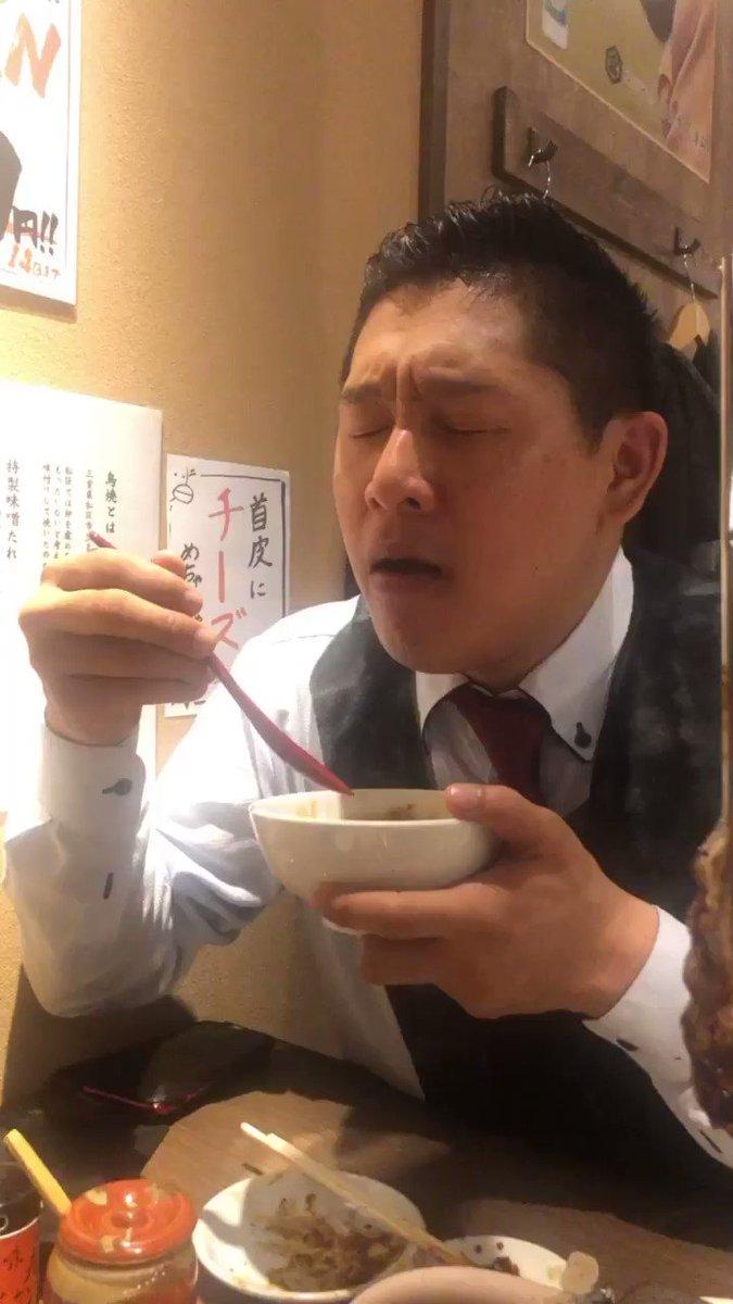 美味しそうにご飯を食べることに定評のある黒田をご飯に連れて行きませんか?  #bosyuこの動画は鳥焼きのんき溝の口店で卵かけご飯を食べている黒田です。