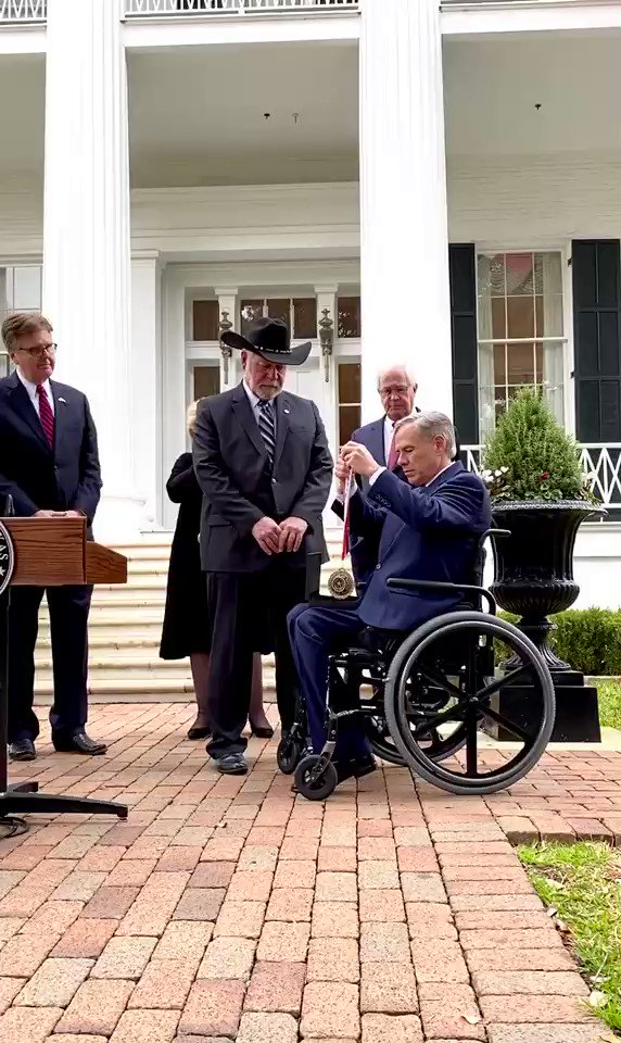 Today I presented the Governor's Medal of Courage to Jack Wilson. He's the hero who risked his life to save the lives of others by stopping a gunman in a deadly shooting at a church near Fort Worth. It's the highest award given to civilians in Texas. #txlege