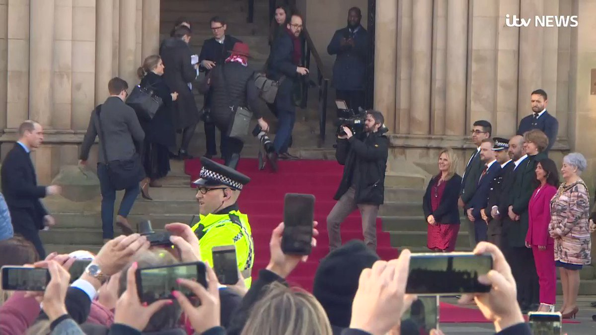 The Duke and Duchess of Cambridge arrived to crowds in Bradford, where they will spend the afternoon itv.com/news/2020-01-1…