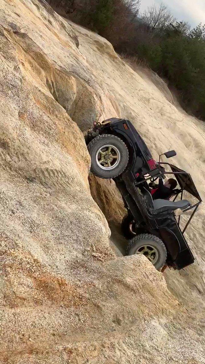 #うるさくてガソリンくさくてそんなクルマ このタグに似合う車って30しかない気がする…