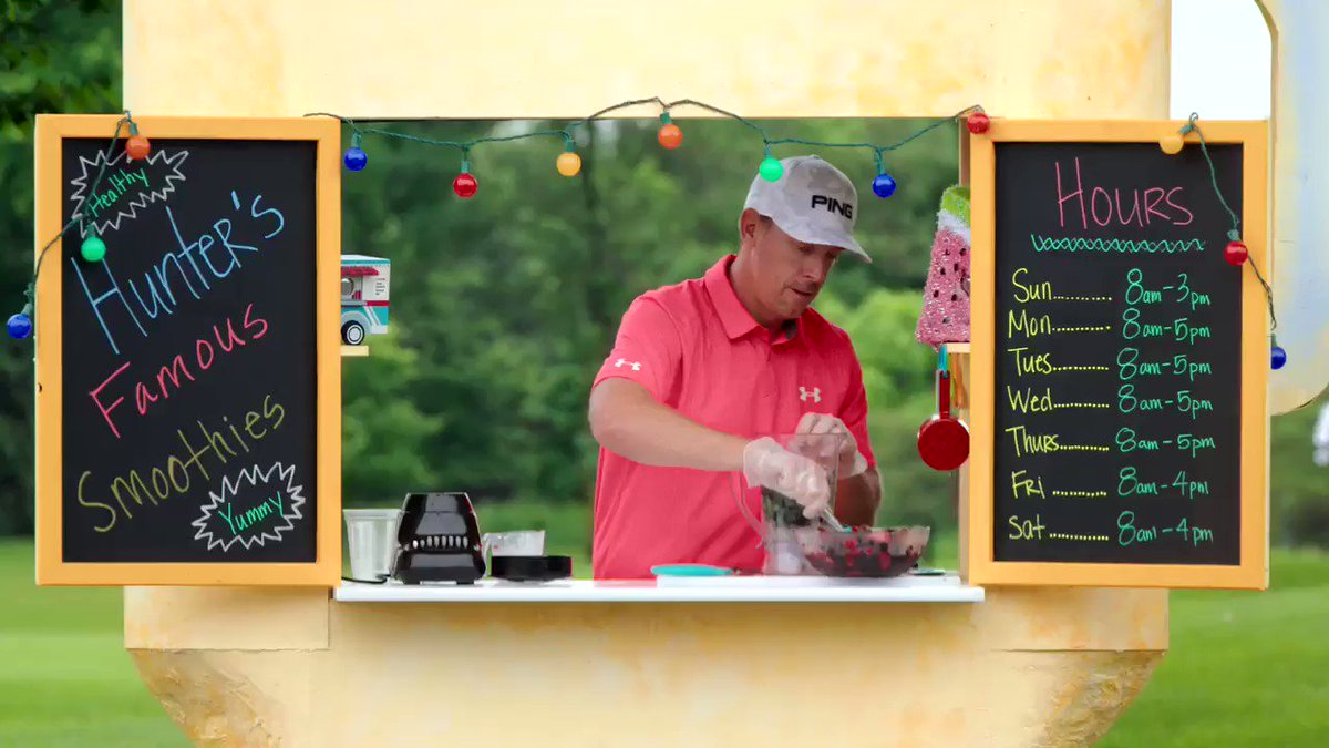 """""""When I'm eating, I try to fill two-thirds of my plate with fruits and veggies,"""" says @PGATOUR player @HunterMahan of one way he reduces his #cancer risk. #endcancer"""