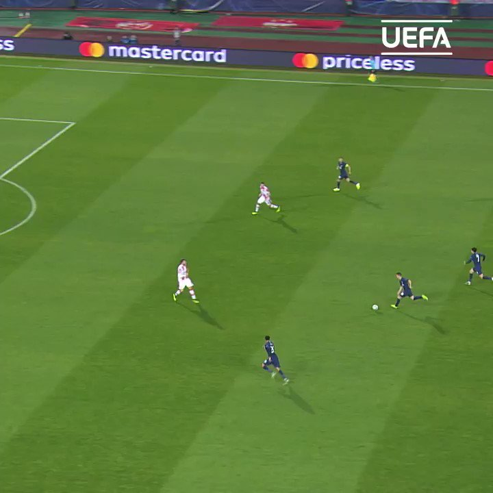 🇦🇷 Giovani Lo Celso's 1st #UCL = 😱😱😱 https://twitter.com/ChampionsLeague/status/1217441334702813185…