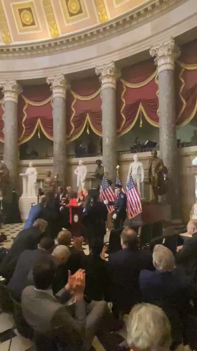⚜️ @SteveGleason receives a standing ovation after being presented the Congressional Gold Medal