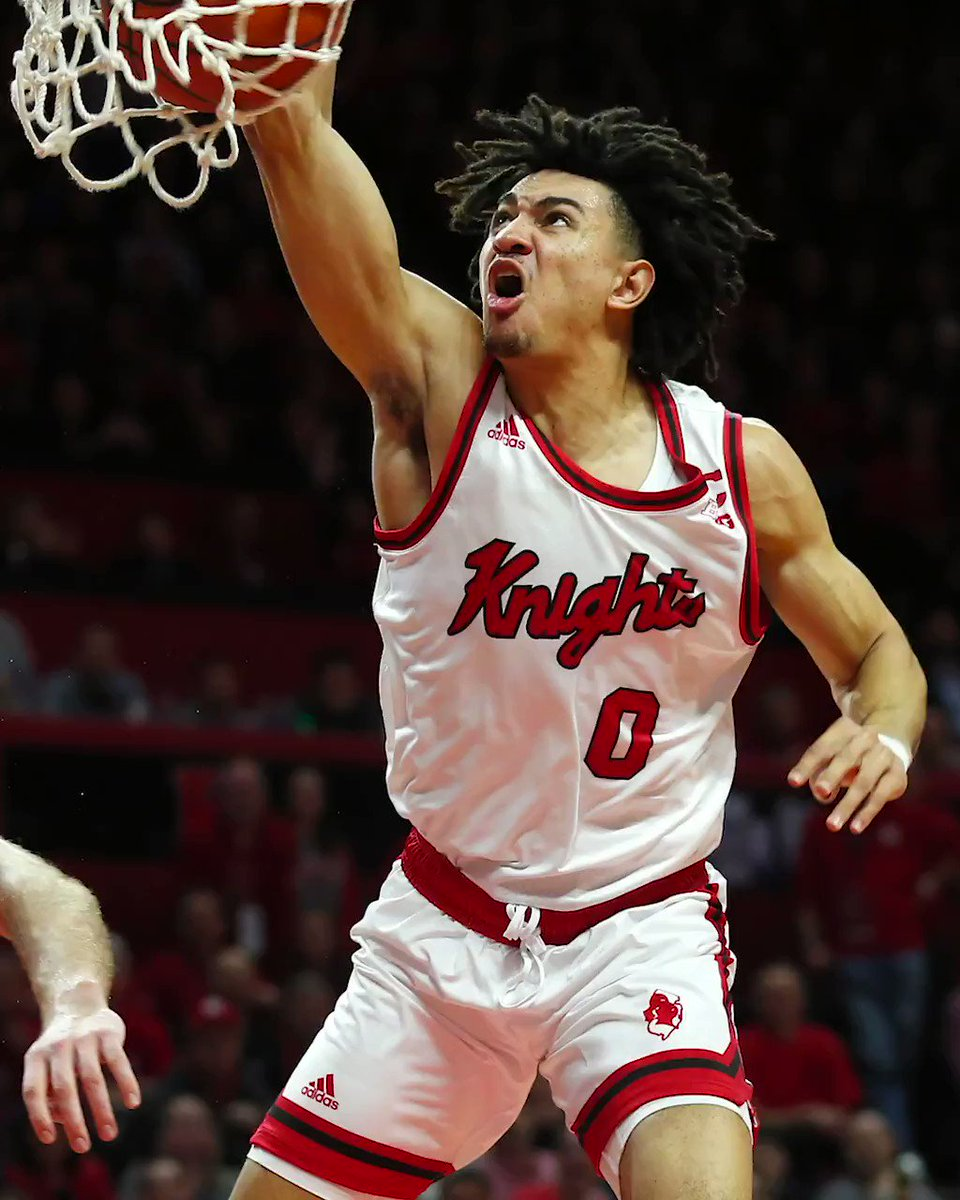 Split the defenders then put him on a poster. That was vicious ‼️ @RutgersMBB
