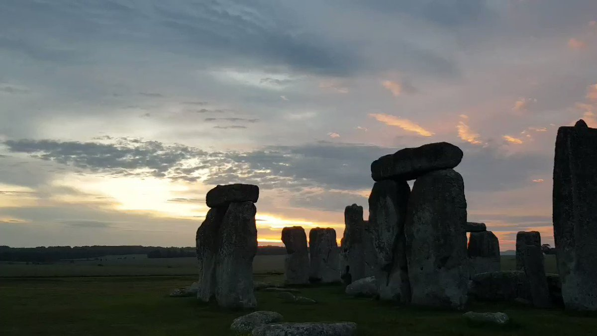 Another stunning sunrise at Stonehenge today. Private access inner circle tour. #magical