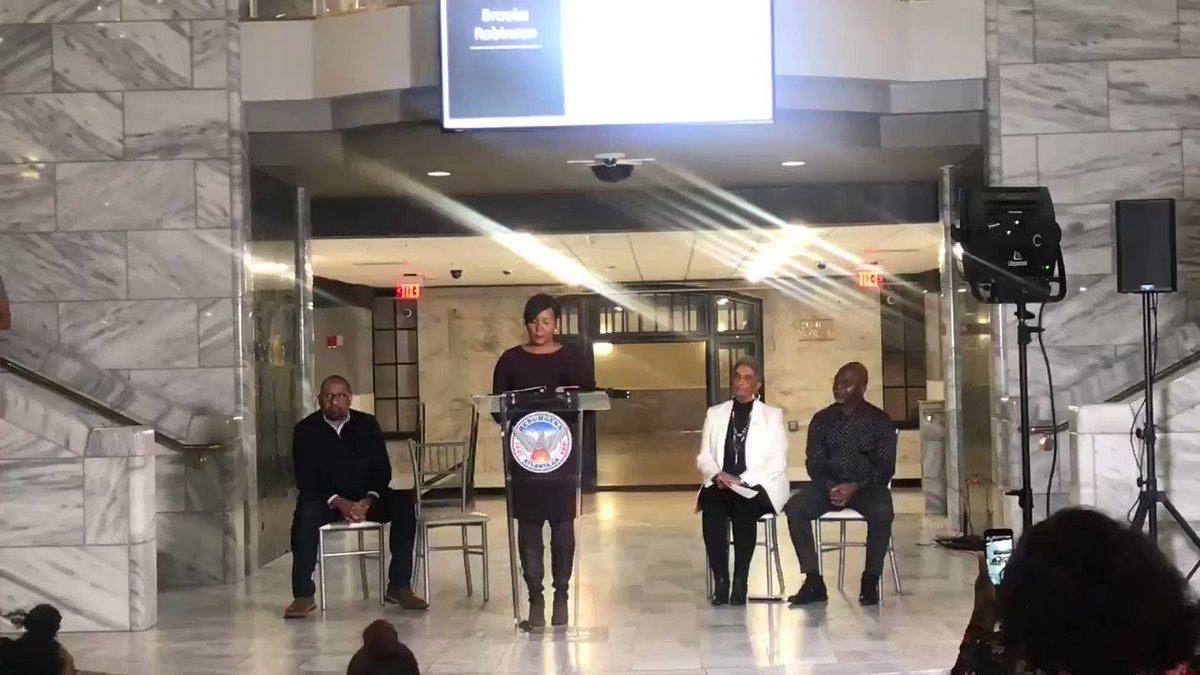 Mayor @KeishaBottoms reads the names of all of the victims of the #AtlantaChildMurders. The City of Atlanta will never forget these children and young adults. We will do everything to ensure that their memories live on in our hearts and in our city.