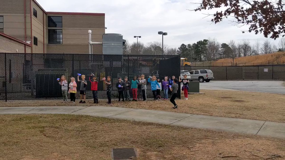 Nothing like reviewing Forces & Motion with a paper airplane contest!!♥️🤣😅🛩️ #sharonstrong @tamekaosabutey