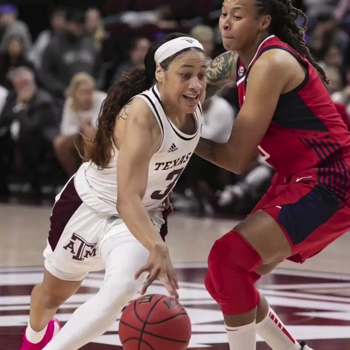 Watching Chennedy Carter hoop is a gift. @ChennedyCarter (via @CourtsideFilms)
