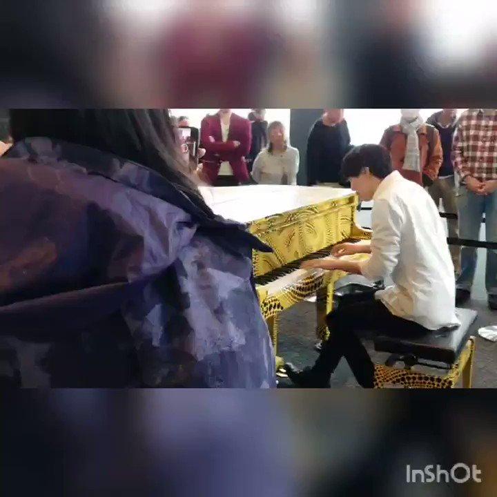 【都庁ピアノ ①】あんざい/Anzai Piano Radio さんが弾く  点描の唄  演奏前&演奏後アップしてみました。