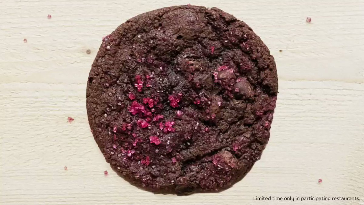 Image for the Tweet beginning: Cookies with sprinkles hit different