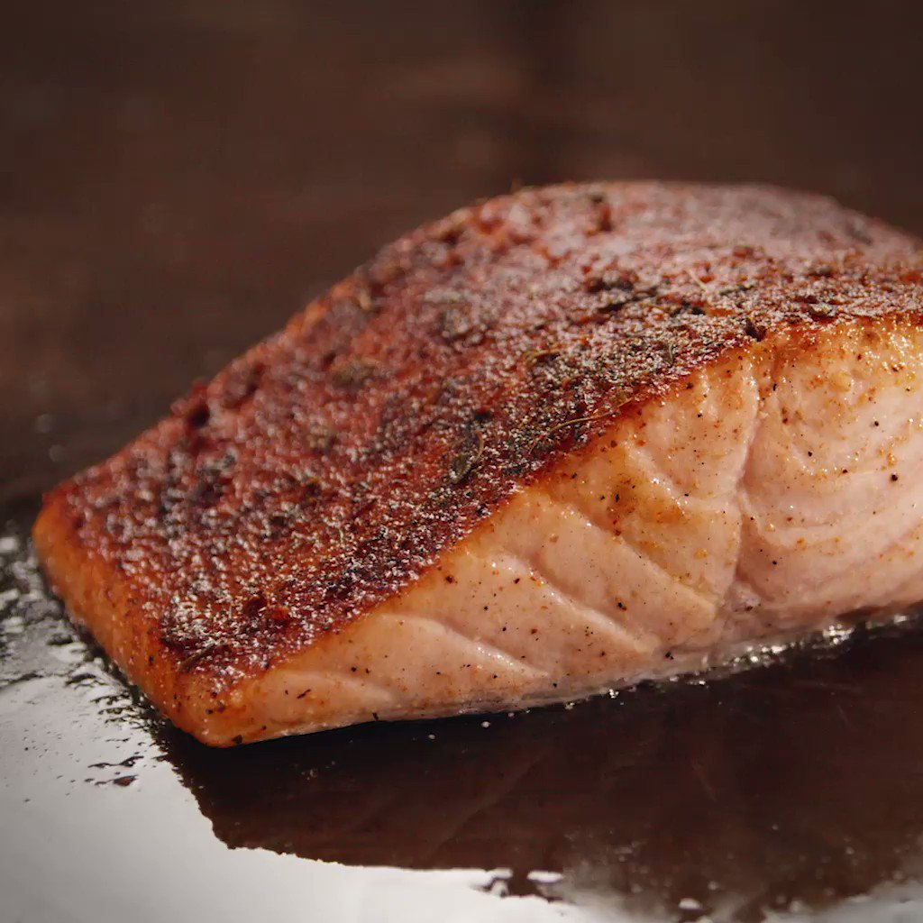 Image for the Tweet beginning: Blackened Salmon at LongHorn Steakhouse?