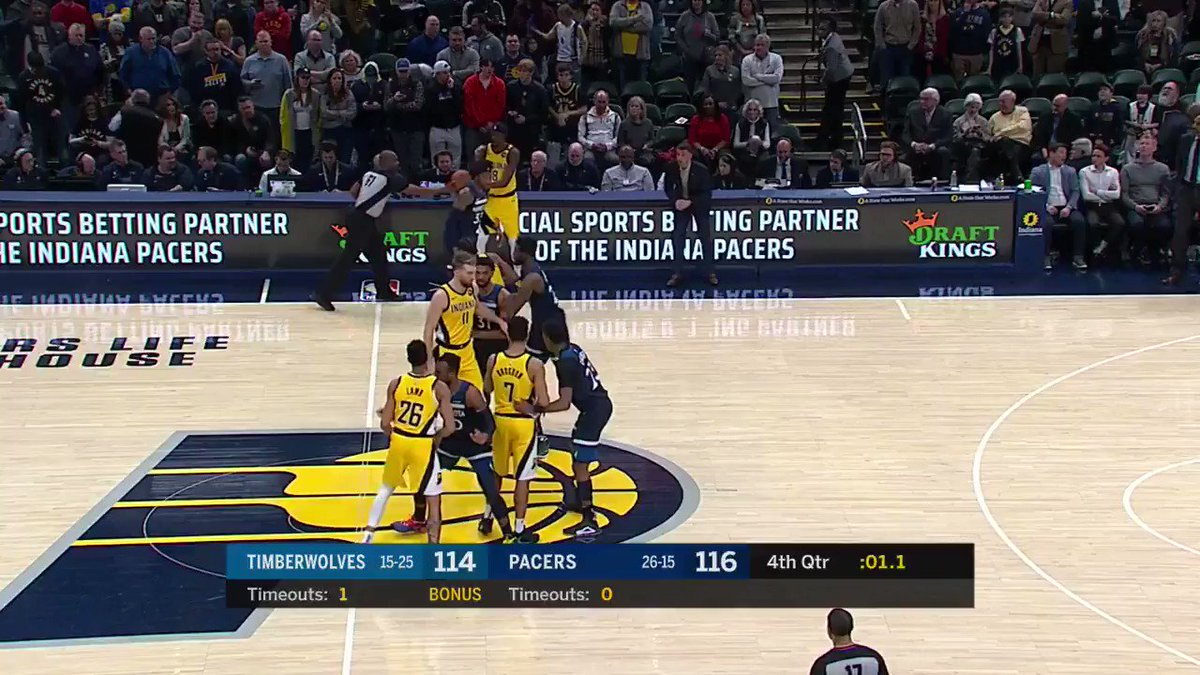What a heads up play from Justin Holiday to seal the @Pacers' 4th straight win!