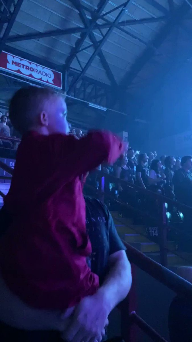 This little kid is 5 years old, didn't miss a beat all night. So sick!