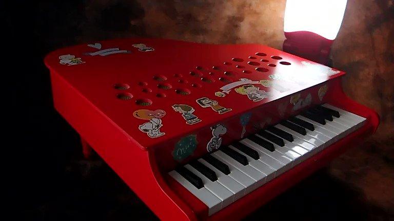 🏬フジのテーマソング「🎶夢見ようトゥモロー」をトイピアノで演奏してみました。母がフジで働いていたので、私はフジに育てられたようなもんです。#演奏してみた #テーマソング #スーパーフジ #トイピアノ #ミニピアノ #カワイ #toypiano #minipiano #kawai #愛媛 #フジ #夢見よう #tomorrow
