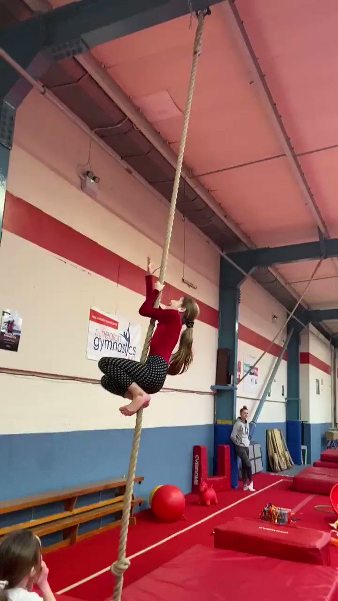 In other news, I think middle dragon is actually a monkey. I tried this and couldn't move up the rope at all 😂😂
