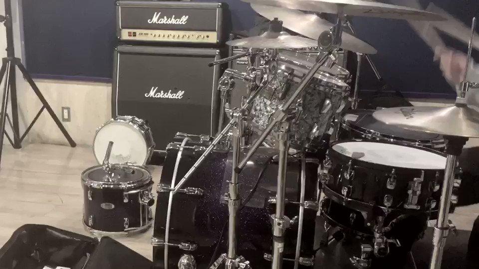 """🥁""""ヒバナ """"🥁 叩いてみた!カメラアングルが上手いこといかなかったけどよかったらみてね🙌#ドラム#叩いてみた#ボカロ#Deco27#ヒバナ"""