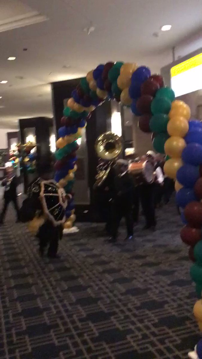 Kicking off the #IW20 expo hall in style 😎🎺
