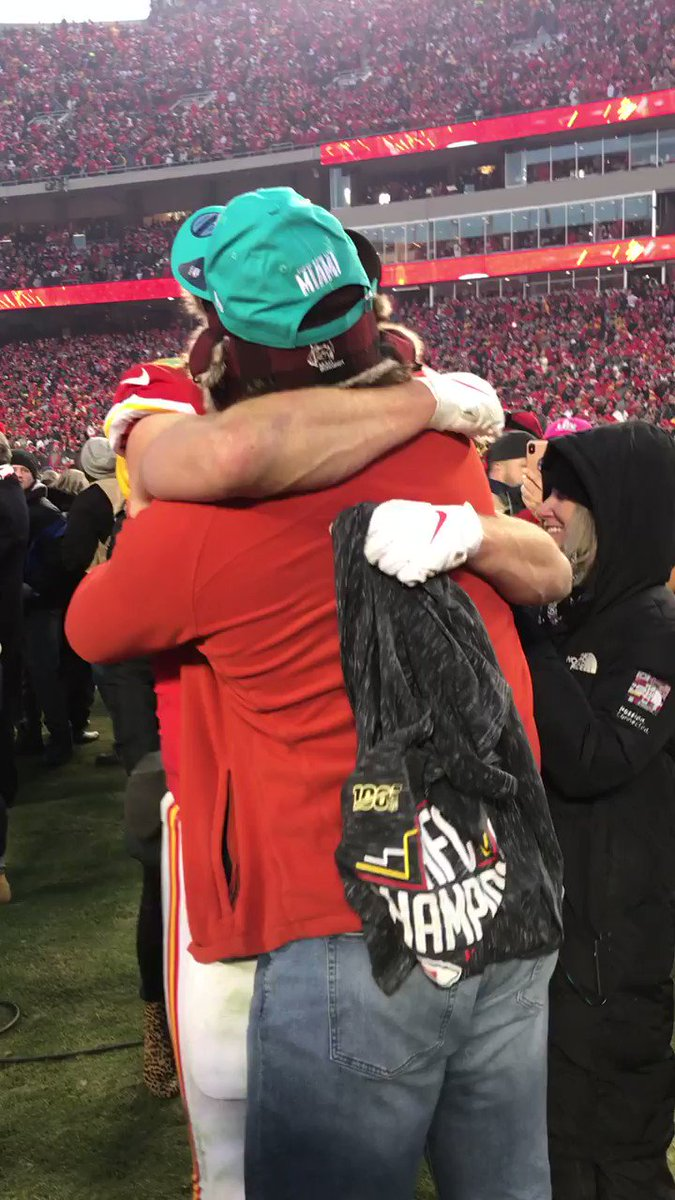 @JeffSkversky's photo on Travis Kelce