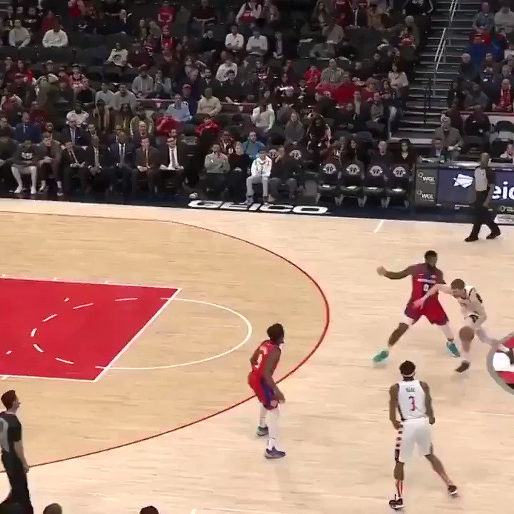 Beal caught Drummond and the bench went CRAZY