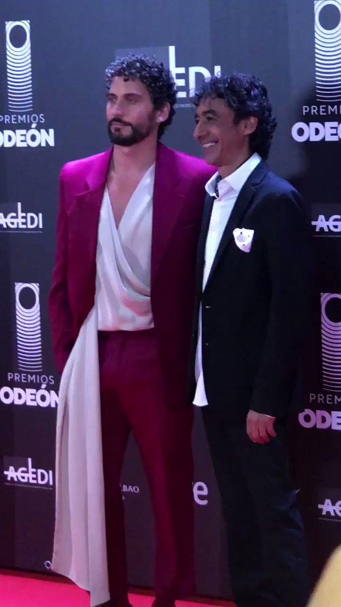 Junto a Tomasito en los @PremiosOdeon premiando el buen flamenco de José Mercé y Tomatito