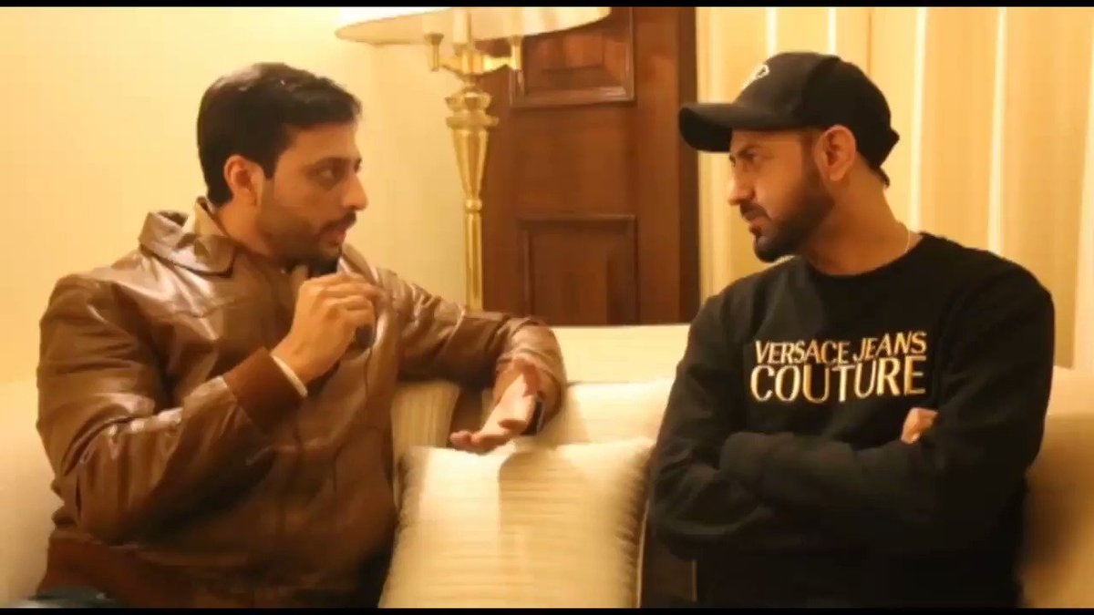 Its pleasure & honor to meet @GippyGrewal in person. You don't feel like you are meeting an international superstar, an icon. Totally down to earth. Makes you feel like his long lost friend. Respect & Admiration for a Pakistan & its people. Complete Vlog: youtu.be/DYS90qT3BNM
