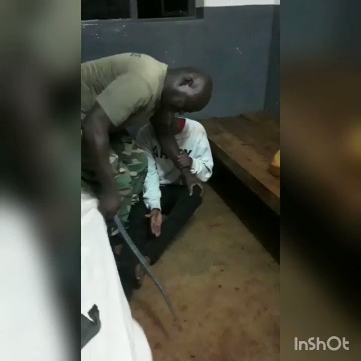 This is how Africa conducts its interrogations....heartless! @UgandaMediaCent  @_AfricanUnion  @UN  @hrw  @HRC  @BBCPolitics  @BBCAfrica  @amnestyusa