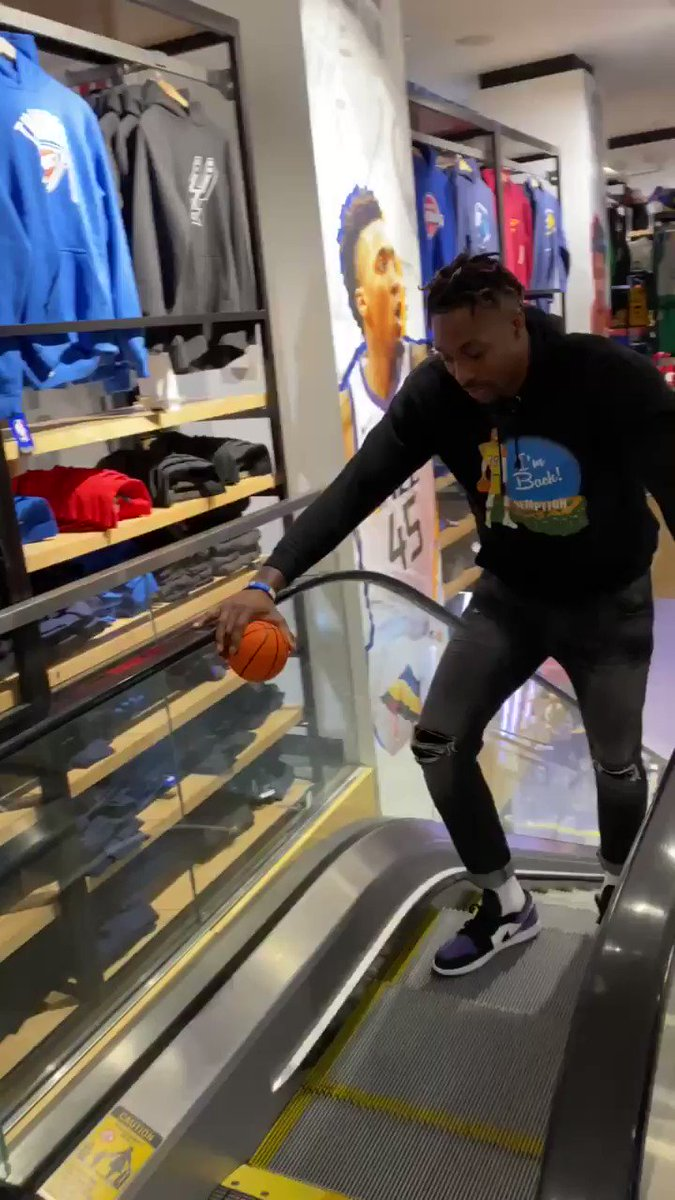 While visiting @NBASTORE NYC, Dwight Howard made official that he will participate in the #ATTSlamDunk Contest at NBA All-Star 2020 in Chicago!   🗓️: February 15th 📺: TNT