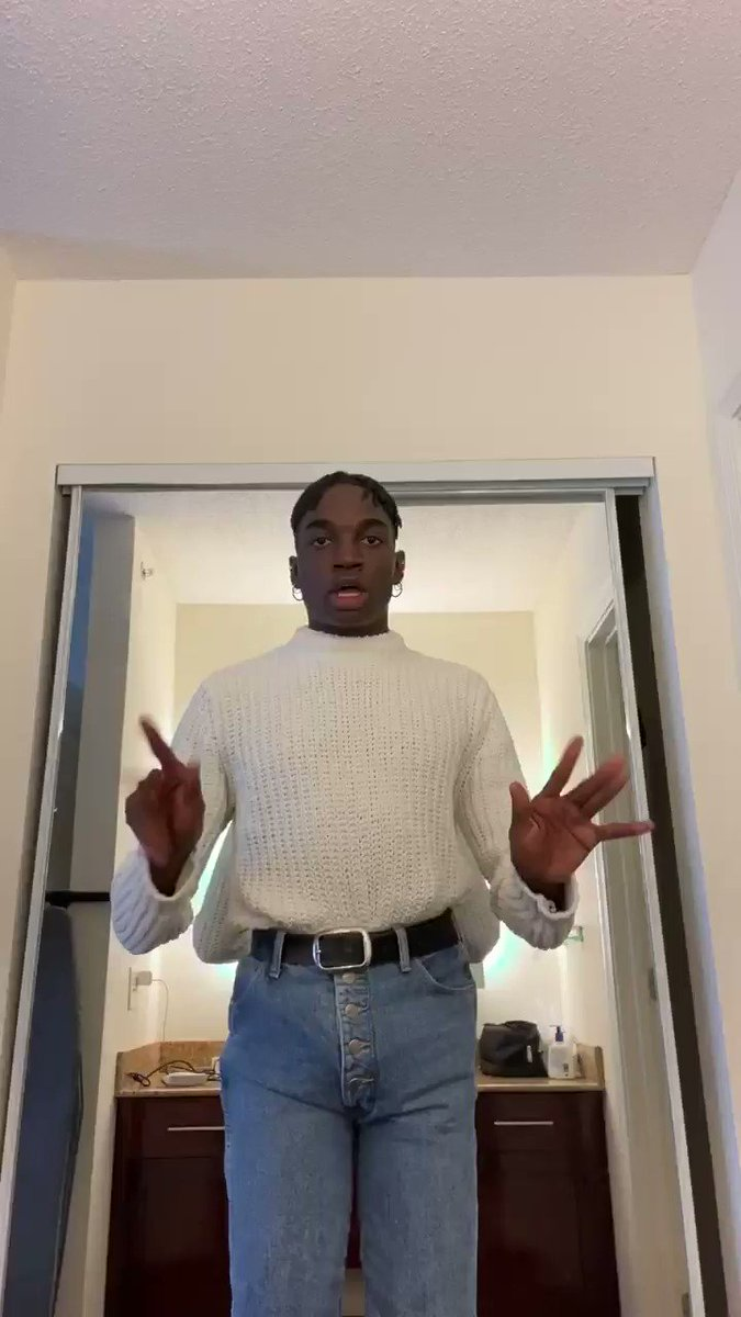 Replying to @lifeofrickey: Me practicing my poses for when I'm THIQQ