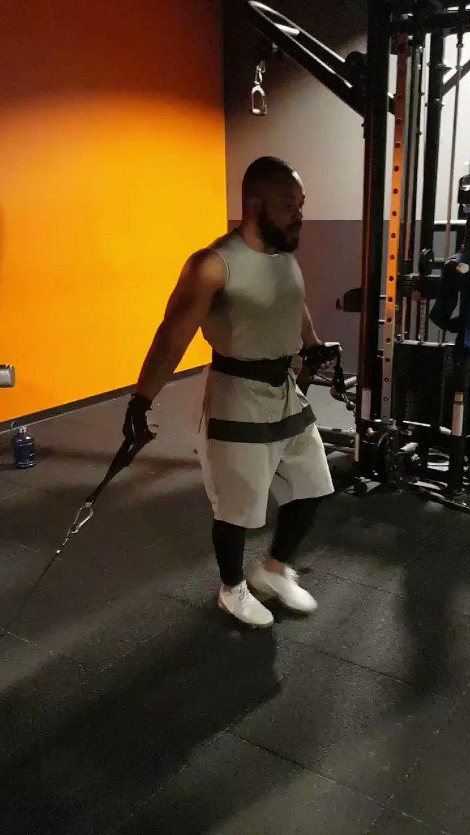 Exercice de pec  • • #gym  #gymlife  #workout  #gymfreak  #gymtime  #gymrat  #bodybuilding  #gymmotivation  #train  #fitfam  #progress  #muscle  #training  #befit  #health  #gymaddict  #instahealth  #hulk  #body  #fit  #strong  #motivation  #determinant  #determination  #instadaily  #musclegain