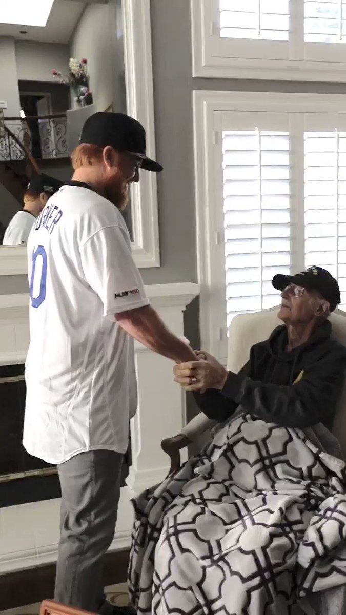 We told Staff Sgt. Tarczy, a World War II veteran, that we wanted to interview him about his time in the military. Little did he know that his favorite Dodger player @redturn2 would show up instead. #DodgersLoveLA