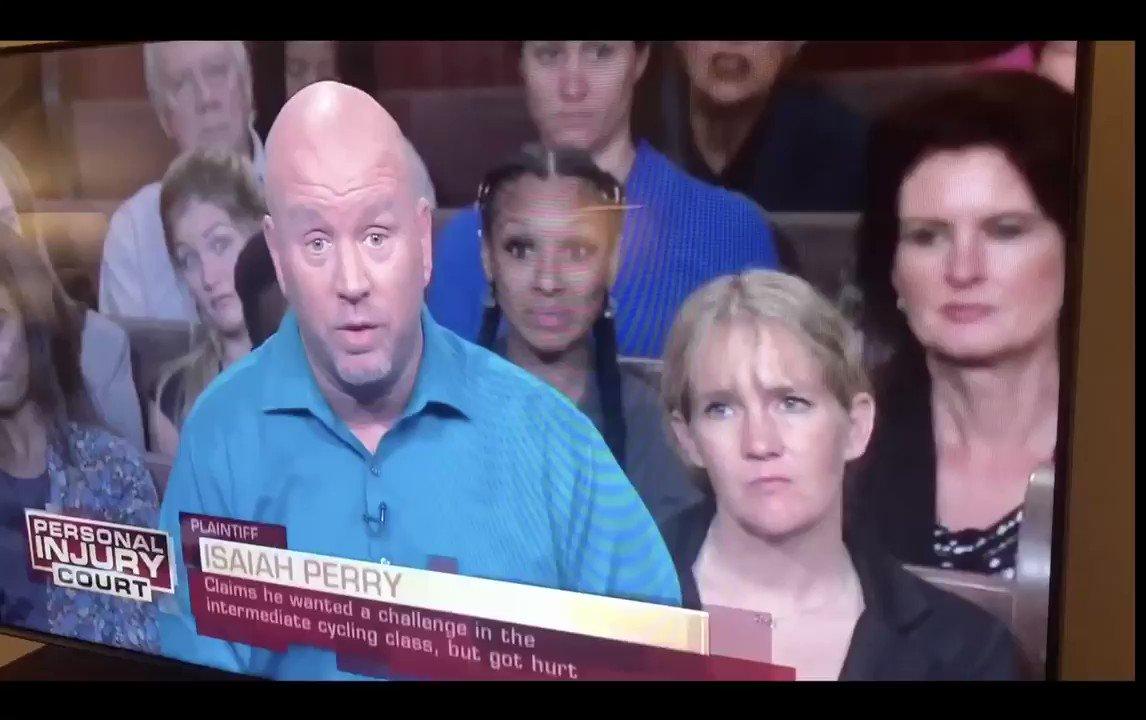 アメリカにいる時テレビをつけても何言ってるかわかんかったのでずっとセルフ吹き替えとかして遊んでた