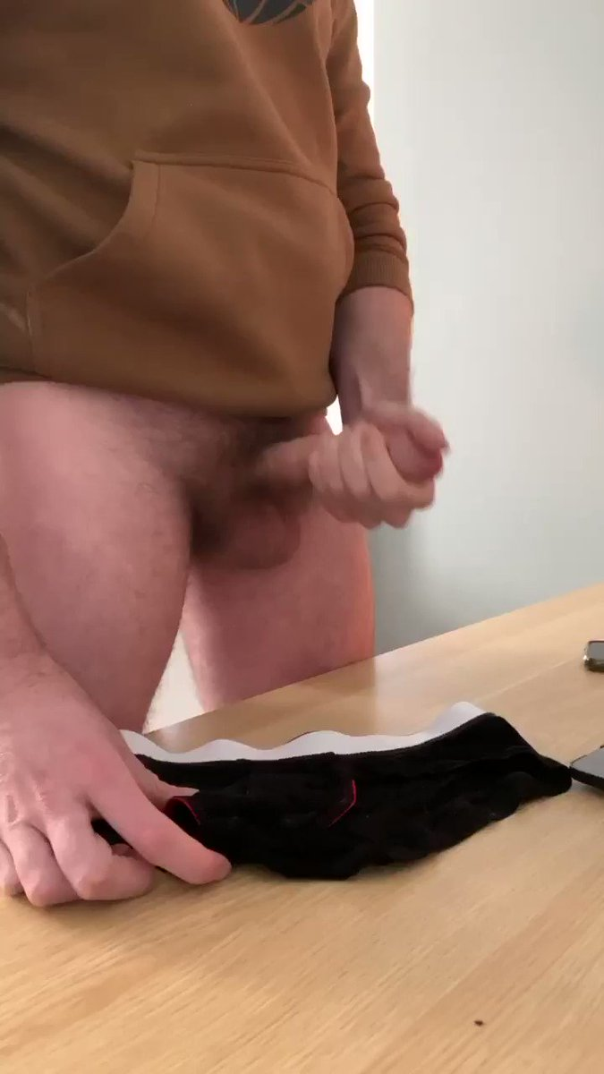 Who wants to suck this dick? 😈 RT and I'll post the full video