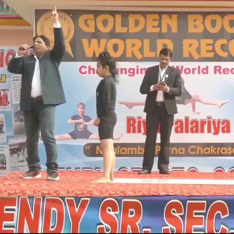 インド北部の村で11歳少女が世界記録を打ち立てたようです。なにしてるか全くわからんけど凄い
