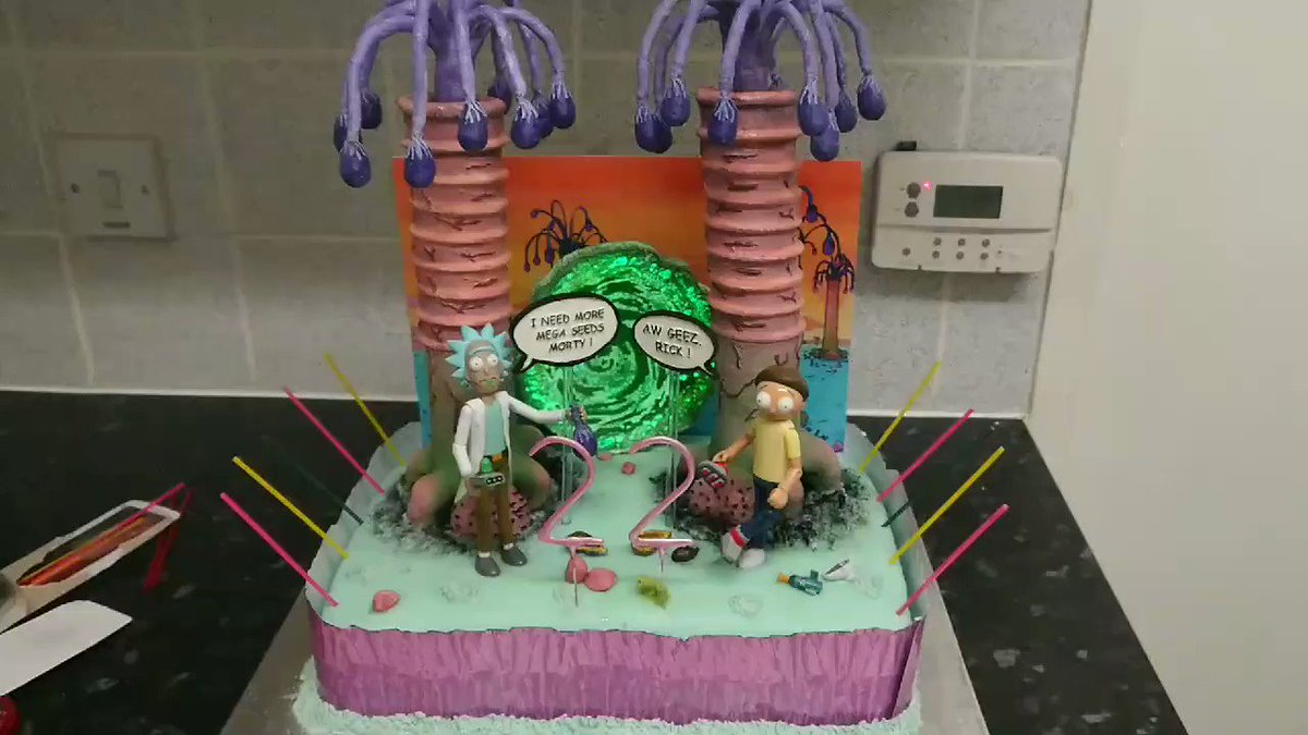 It's that time of the year again 🎉 & for my daughters #BirthdayCake this year the theme was @RickandMorty we ❤️ it, The cake toppers are all #3Dprinted apart from the main figure's #RickandMorty @JustinRoiland @adultswim #cakedecorating #CELROBOX @CELRobox @Creality3dprint #CR10