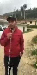 #Atención. Capitán de policía d Jambalo y 10 miembros del ejército, en camioneta vinculada a caso d narcotráfico intenta secuestrar a líder indígena del Cauca. La comunidad lo impidió. Las tales  águilas negras del régimen Duque  si existe