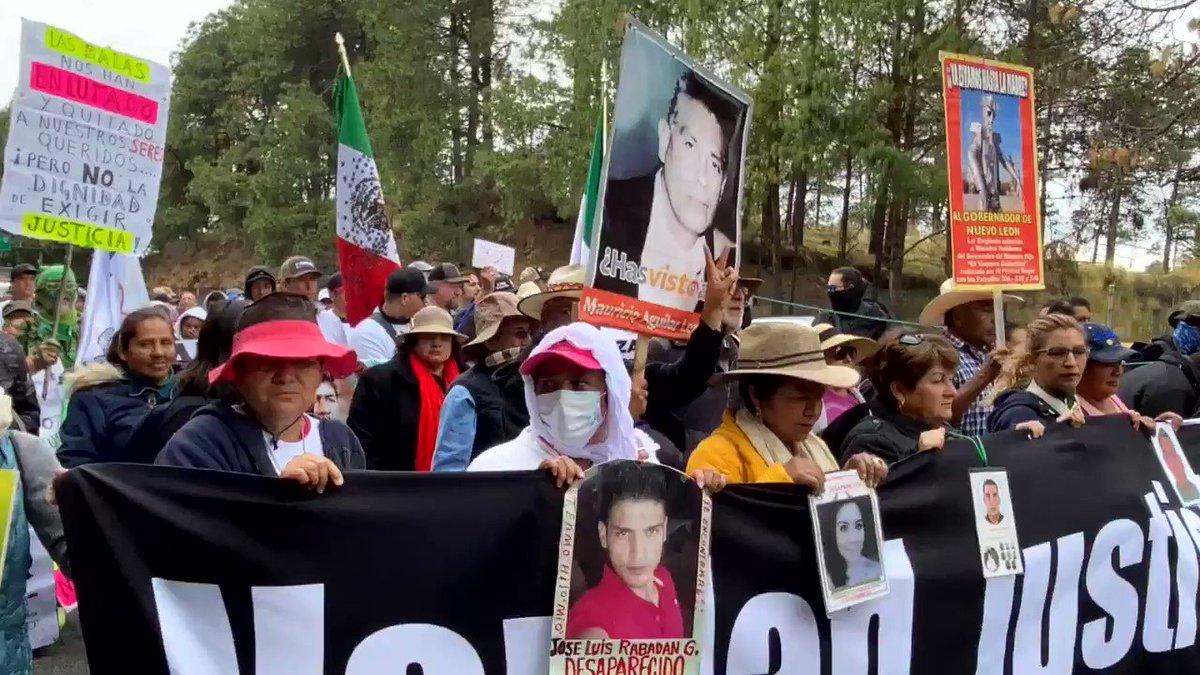 En este momento, la caminata por la verdad, justicia y paz sale de Morelos y entra a Ciudad de México. Caminando se pierde el miedo.