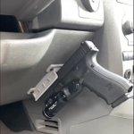 車からかっこよく銃を取り出せる!?ロマンを叶える商品があります