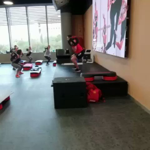 ¡Hoy estamos de formación! 📚 Dedicamos el fin de semana a la primera #formacion de #bodypump del año 🙌 . De aquí saldrán grandes instructores 💪 que inspirarán y motivarán en sus clases.  #yo10sevilla #yo10  @LesMills @JoseBlanes @Reebok #fitness #gym
