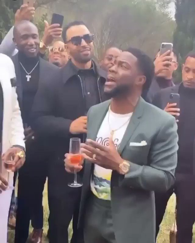 Kevin Hart's inspirational toast goes viral: 'How do you want your book to end?'