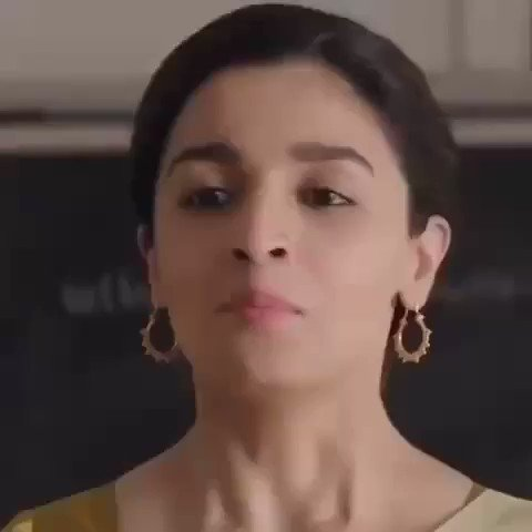 Here's a little #throwback video of #AliaBhatt from the song #AeWatan in #Raazi. #RepublicDayIndia