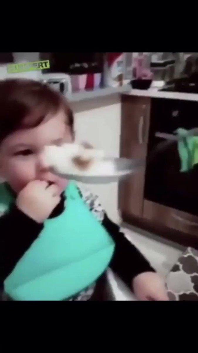 赤ちゃんをからかってみた結果