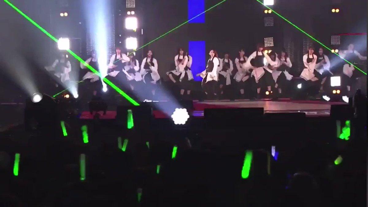 こちら、鈴本美愉ちゃん卒業ライブです。