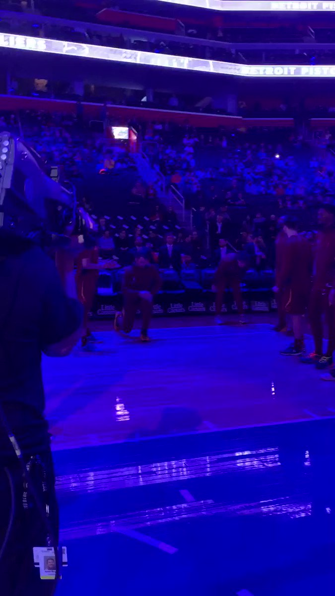 Image for the Tweet beginning: Time to go ✊🏀 #BeTheFight