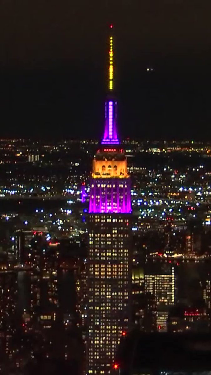 NYC's Empire State Building is lit up purple & gold to honor Kobe 💜💛