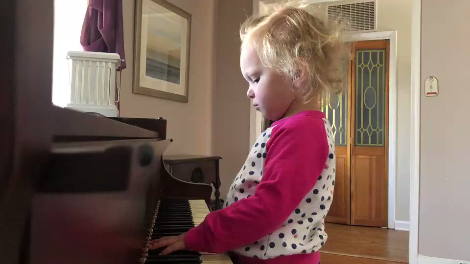 @ladygaga  can you tell my niece has seen your Oscar performance? #AStarIsBorn  ⭐️